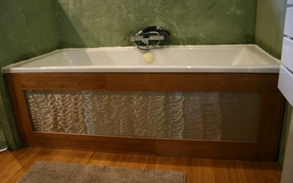 salle-de-bains-bambou-et-aluminium-2