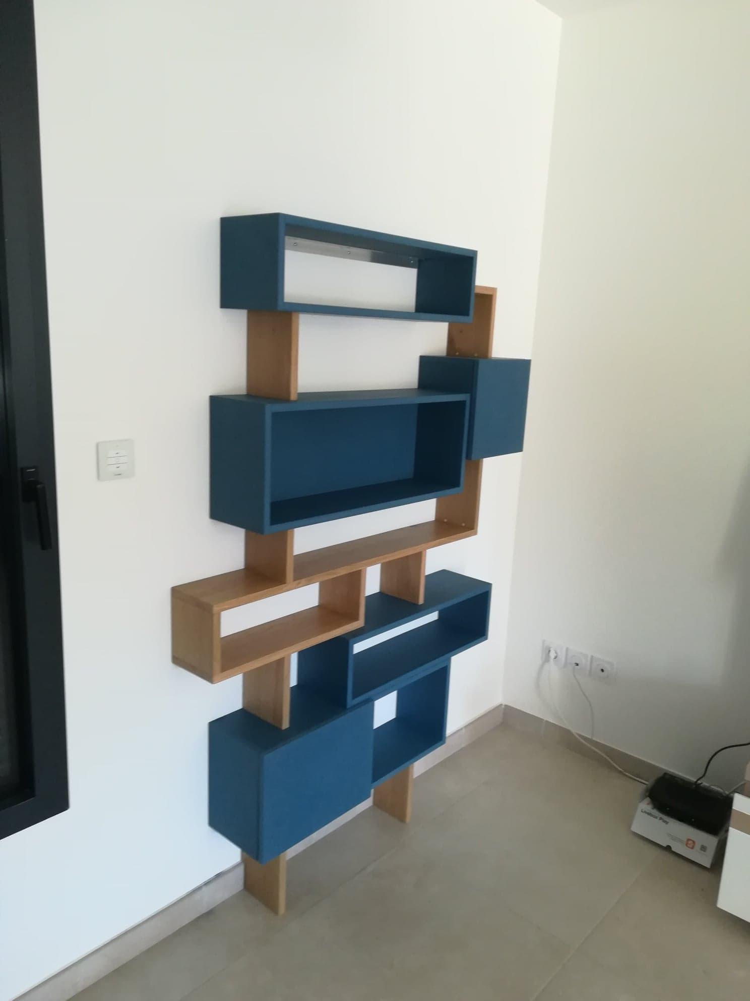 meuble médium bleu