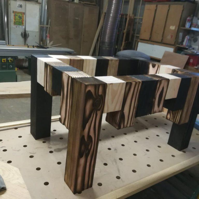table bois brulé
